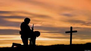 h-soldier-praying-960x540